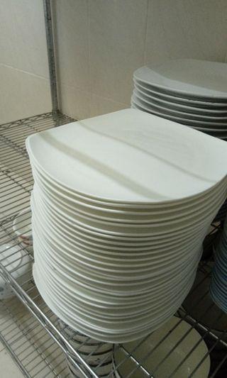 🚚 純白西餐大瓷盤(波浪盤)