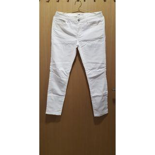 Used TEMT White Jeans Size: 8