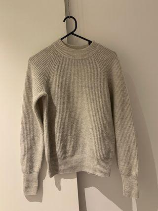 H N M knit