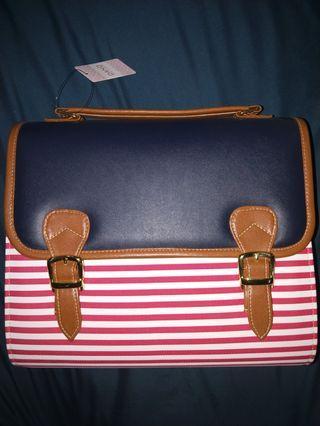 🚚 Strip box backpack and sling bag