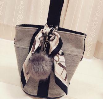Hermès 絕版 帆布水桶包 二手正品 贈送絲巾+毛球