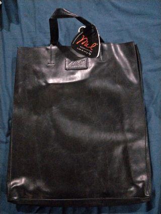 🚚 Mel Large black hangbag