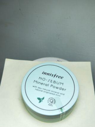🚚 Innisfree 無憂無慮礦物控油蜜粉 Korean cosmetics powder