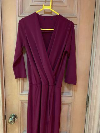 MAROON JERSEY GOWN