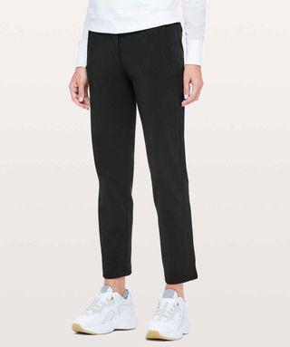🚚 NWT Lululemon on the move light pants size 2