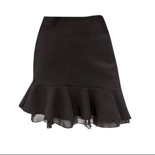 🚚 雪紡荷葉邊魚尾裙 黑色短裙