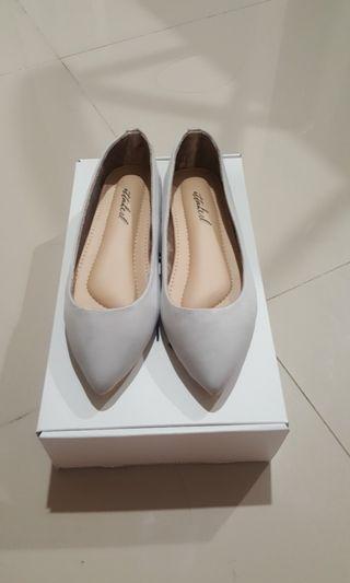 Ittaherl Palette Pointy Shoes Whisper