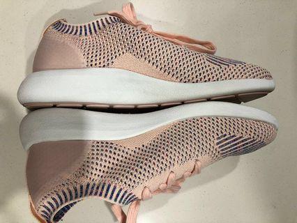 🚚 💲⬇️ Pre❤️ 👟 Authentic Pink Portorford Sneaker #MRTSengkang