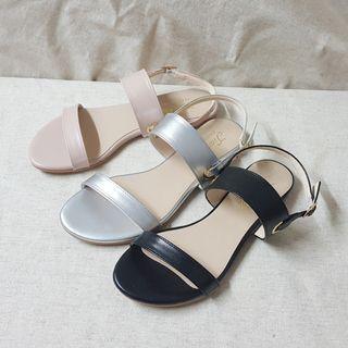質感簡約雙帶平底涼鞋