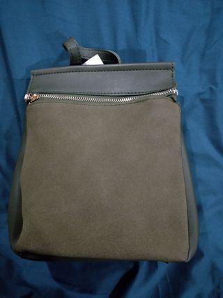 🚚 Mini army green backpack