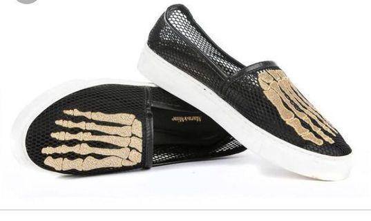 Mara & mine jem skull mesh sneaker