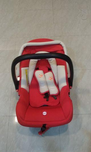 🚚 Baby Carrier/Car Seat