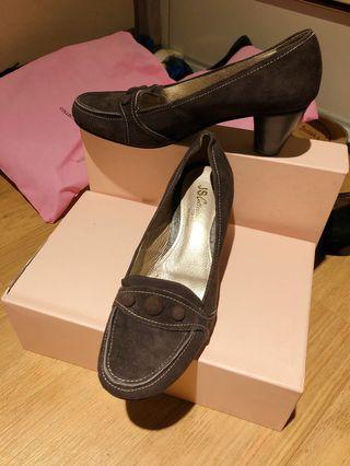 #大腳#全新 粗低跟女鞋 咖啡色