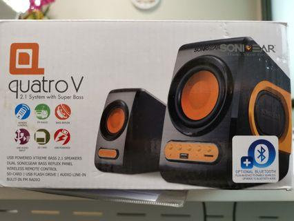 Speakers with bass and remote control and radio function