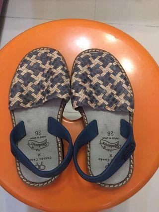 女童涼鞋 (girl's sandals)