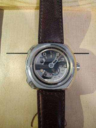 Jam tangan SevenFriday V-series mulus !