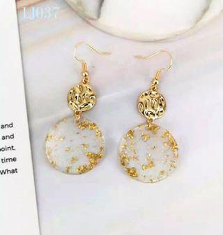 🚚 [3 for $15] Korean Gold Flake Round Earrings