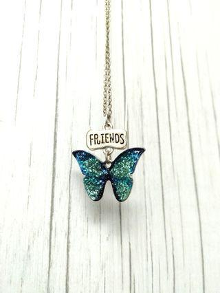 降) Friends 藍綠漸層亮片蝴蝶項鍊