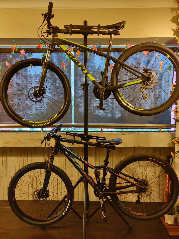 Giant Mountain Bikes, Bicycles & PMDs, Bicycles, Mountain