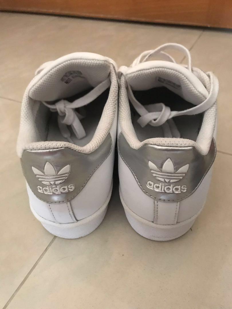 Adidas 銀色邊Superstar($150少著)