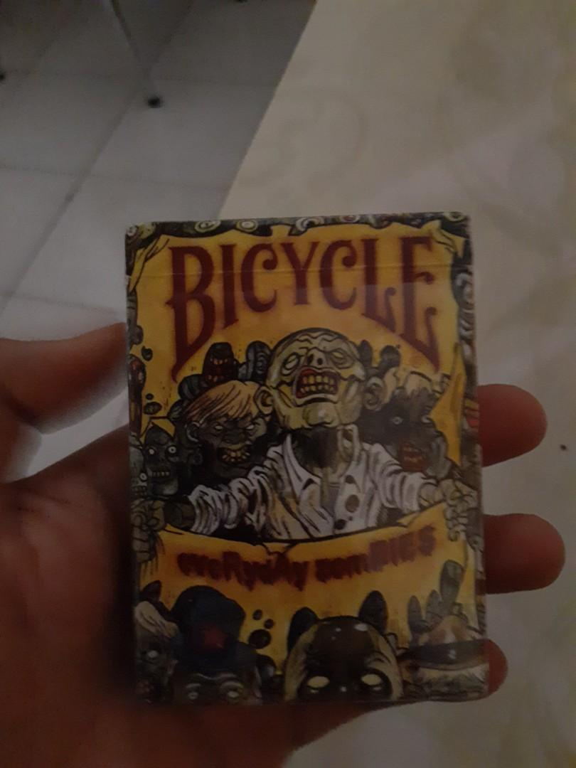 "BICYCLE PLAYING CARD ""EVERYDAY ZOMBIE"" SERIES"