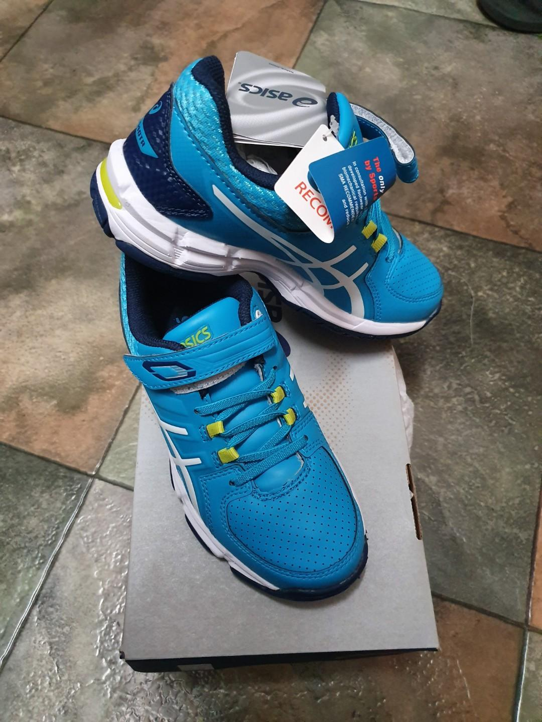 Brand new asics kids shoes size 1