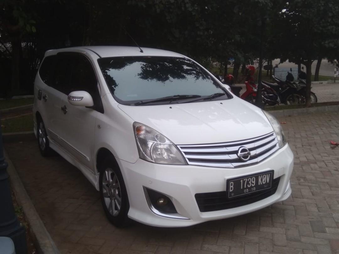DIJUAL Nissan Grand Livina 2013