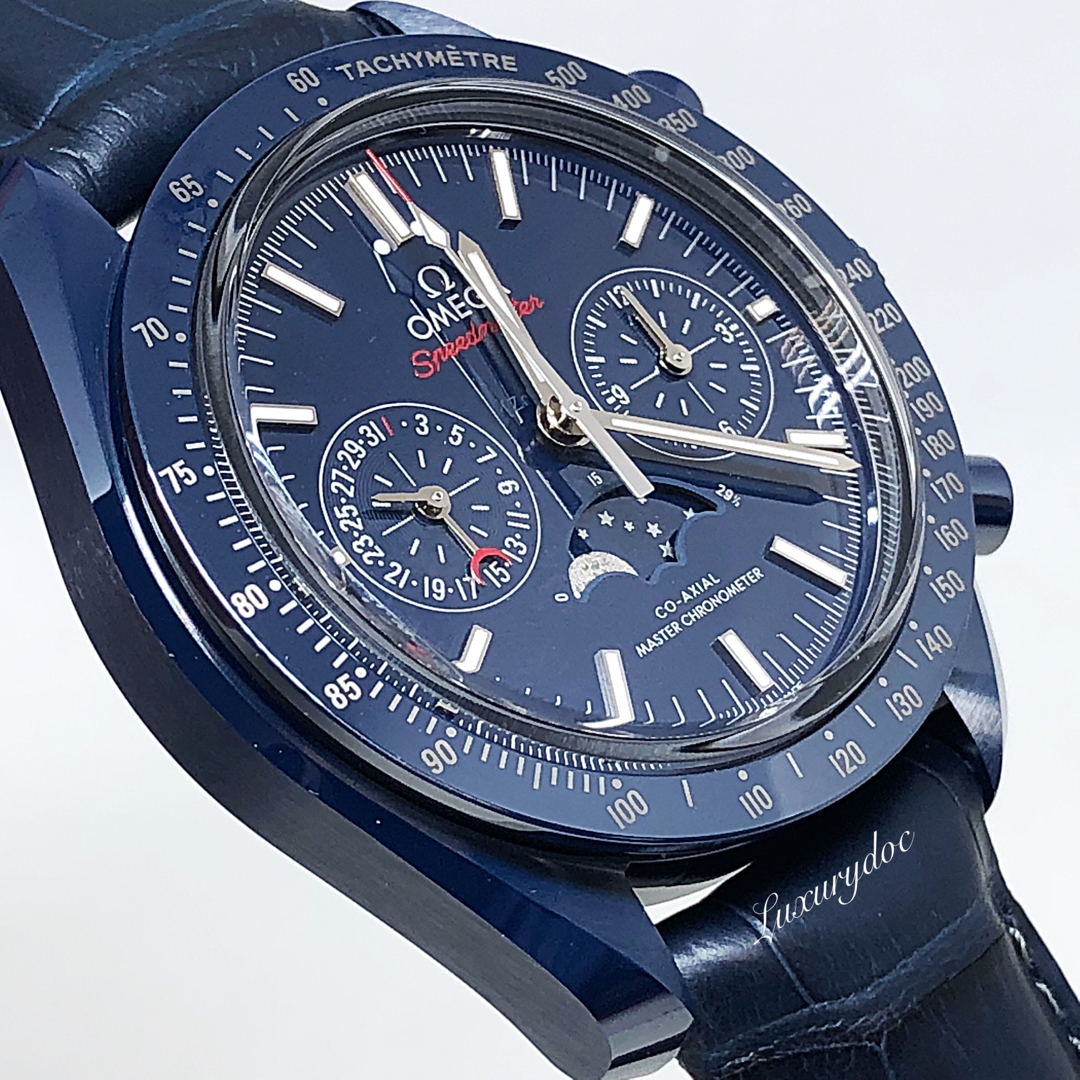 FS.BNIB OMEGA SPEEDMASTER MOONWATCH CO-AXIAL MASTER CHRONOMETER MOONPHASE AUTOMATIC CHRONOGRAPH BLUE SIDE OF THE MOON 44.25MM CERAMIC WATCH 304.93.44.52.03.001
