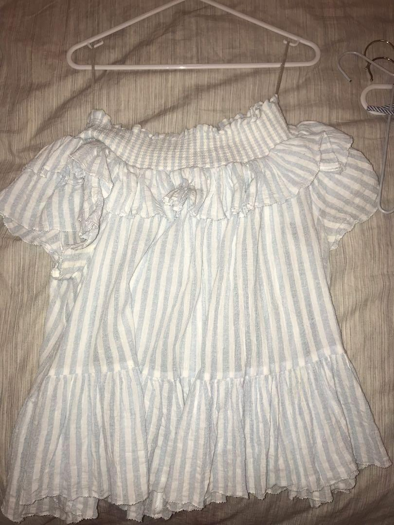 Off-shoulder Seed Striped Tee