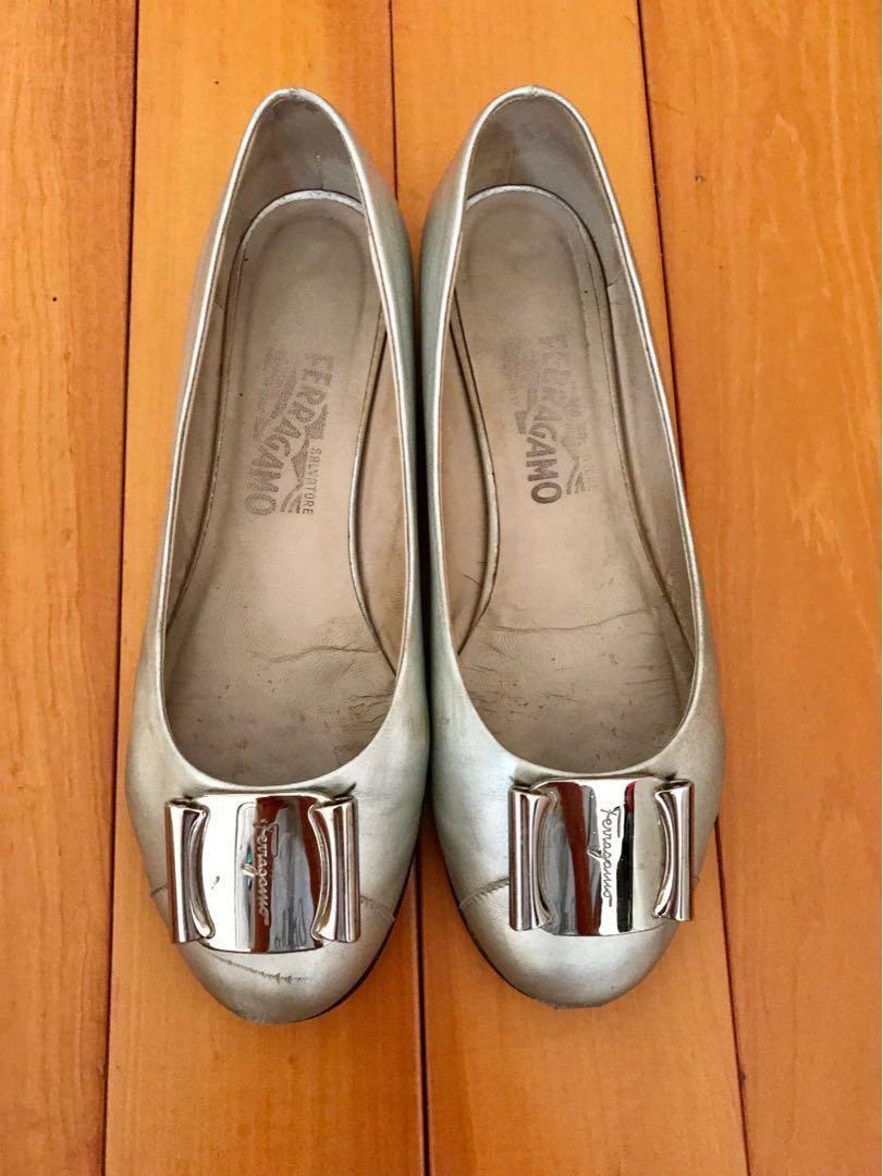 Salvatore Ferragamo Silver Flat Shoes 銀色平底鞋