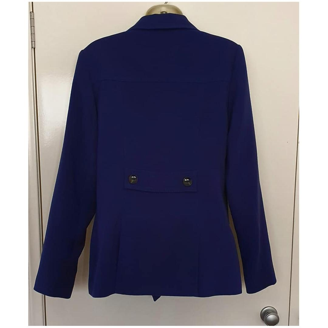 Size 12 Euc Target ladies blazer coat nacvy blue Fully lined with pockets
