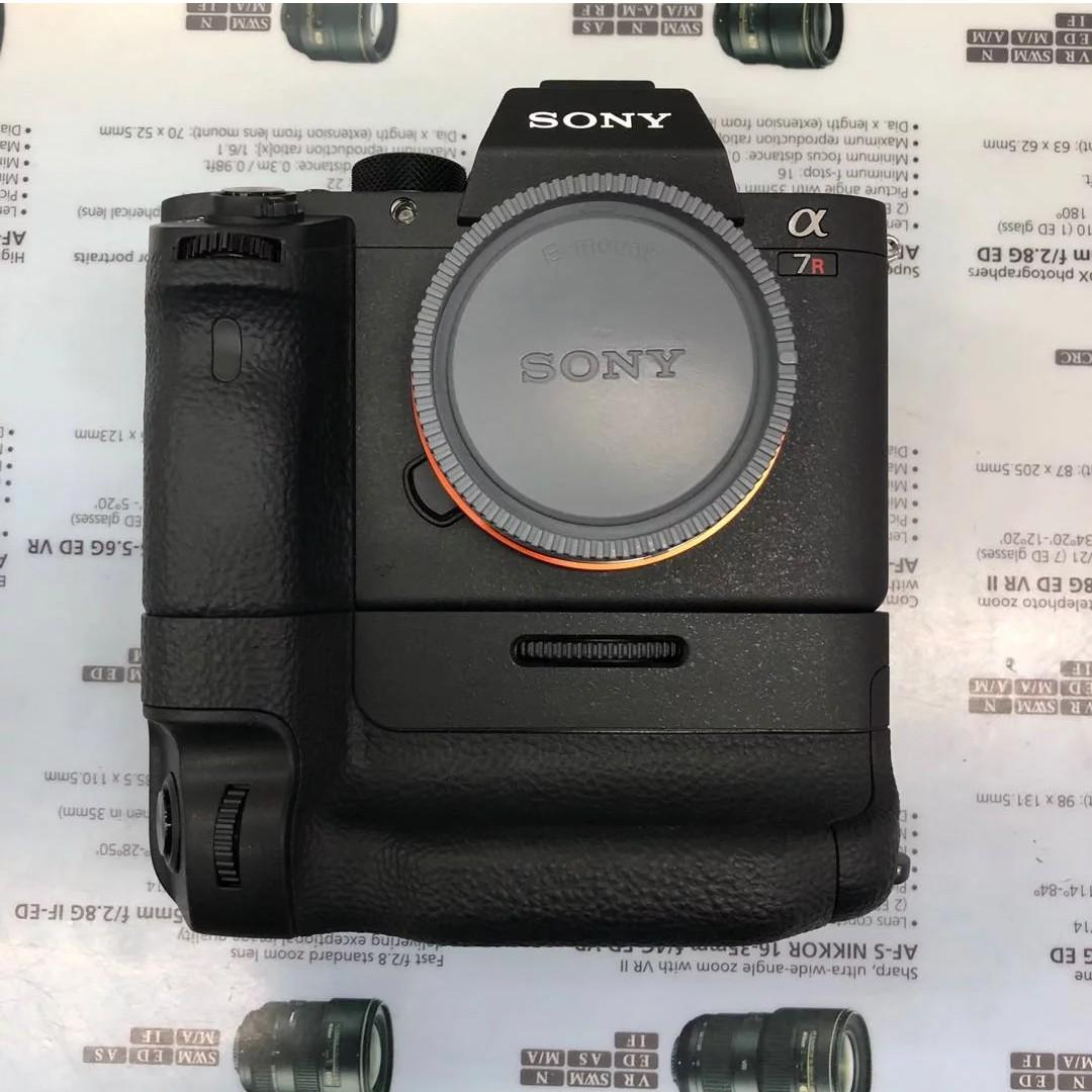 Sony a7RII + Original Grip