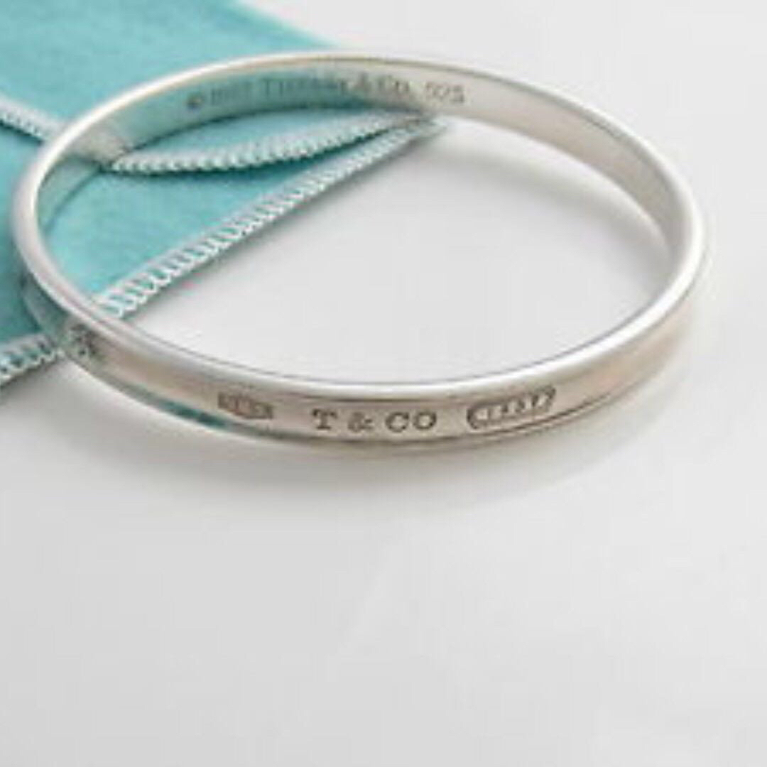 889747c3b Tiffany & Co 1837 Oval Slip On Sterling Silver Bangle Bracelet 1997,  Women's Fashion, Jewellery, Bracelets on Carousell