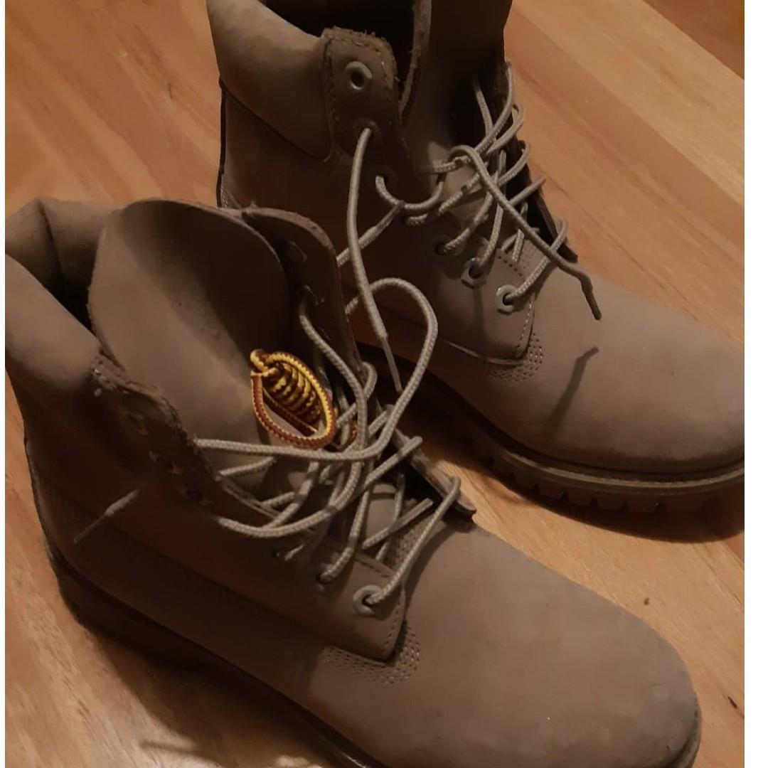 Timberland Men's 6 Inch Premium Waterproof Boot - Unisex design