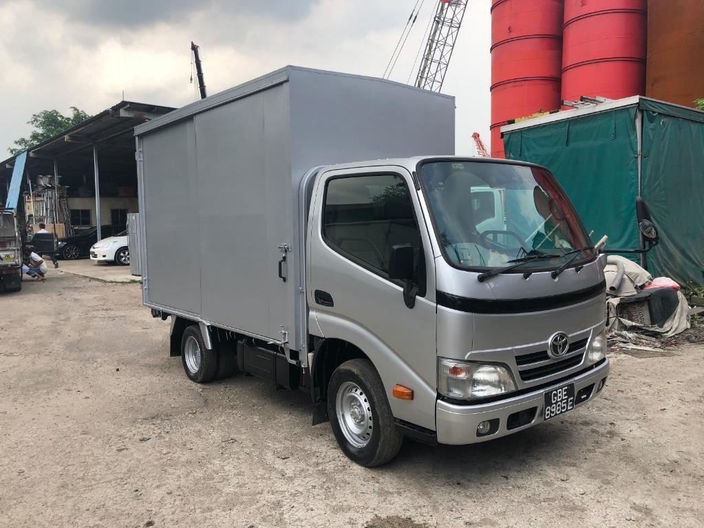 Toyota Dyna 150D Box Truck