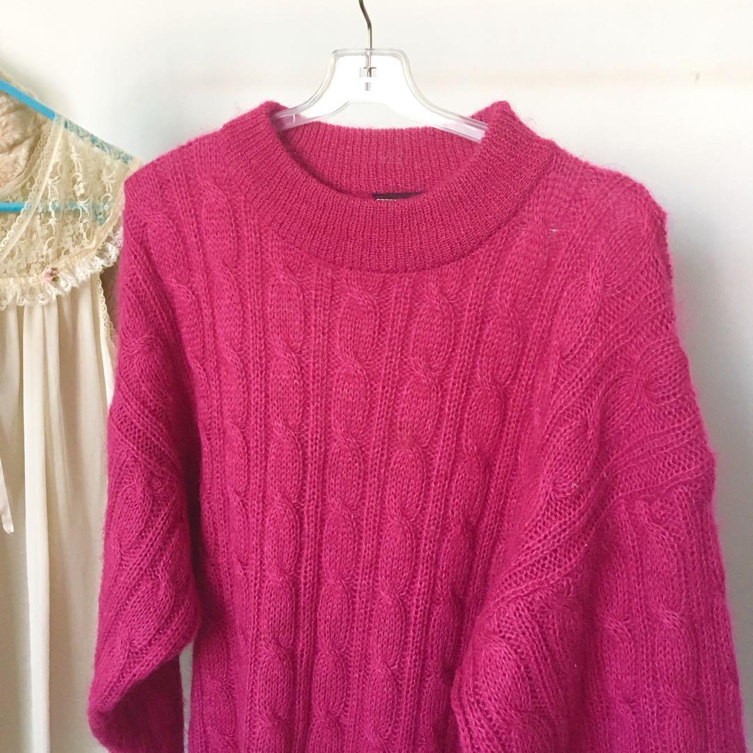 VINTAGE 90s MAGENTA CABLE KNIT OVERSIZED JUMPER