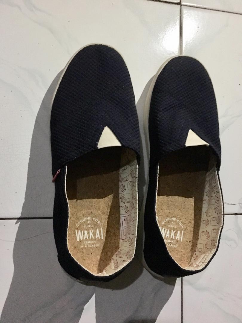 Wakai Shoes, warna navy masih baru baru beli tgl 3 juni 2019