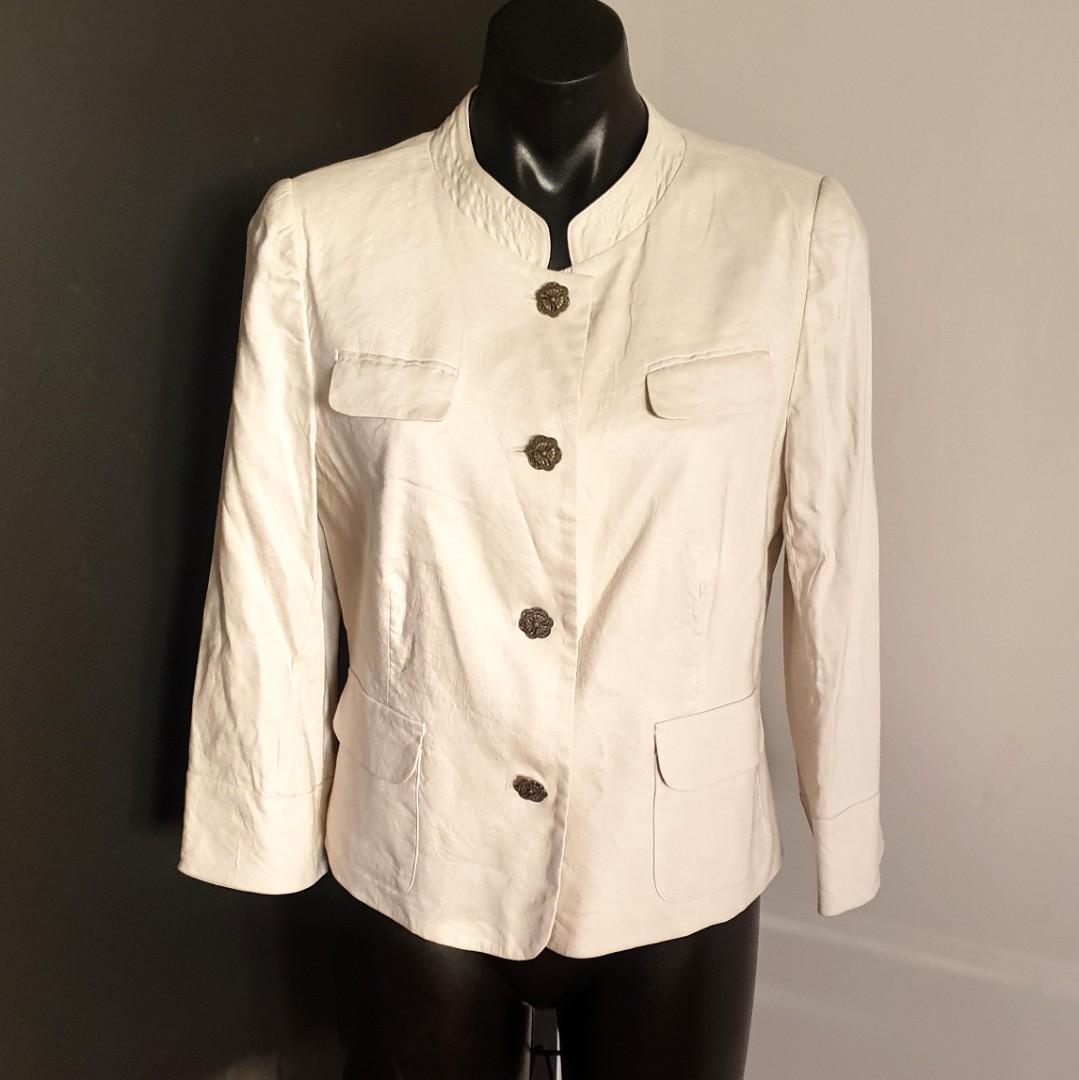 Women's size 12 'JUDITH HART' Gorgeous beige linen blend long sleeved lined blazer - AS NEW
