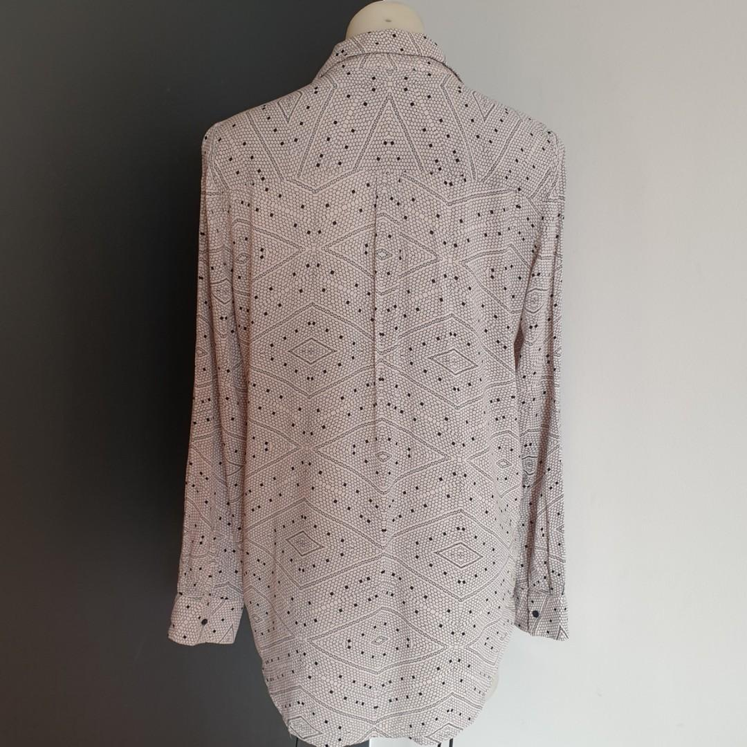 Women's size 12 'WITCHERY' Gorgeous beige and black patterned long sleeve button down shirt- AS NEW
