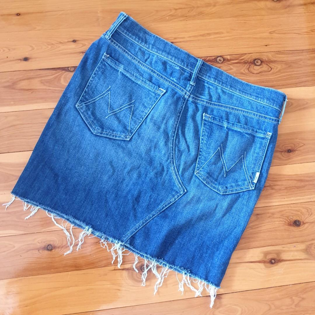 Women's size 30 =12 'MOTHER' Gorgeous blue denim skirt, made in USA - AS NEW