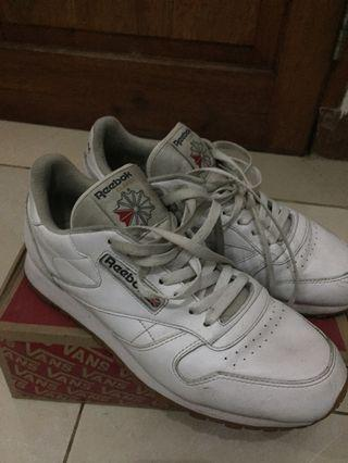 rebook classic leather white