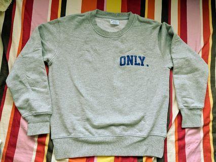 Champion Grey sweater Blue font Size