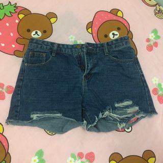牛仔短褲 爛牛 shorts