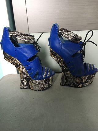 No heel platform shoe