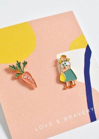 🚚 ✨Set of two pins grocery girl and single enamel pin leaf