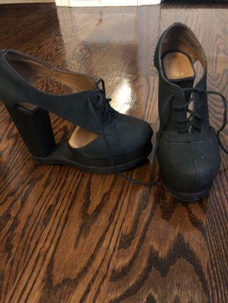 Jeffrey Campbell Heels For Sale - Size 7
