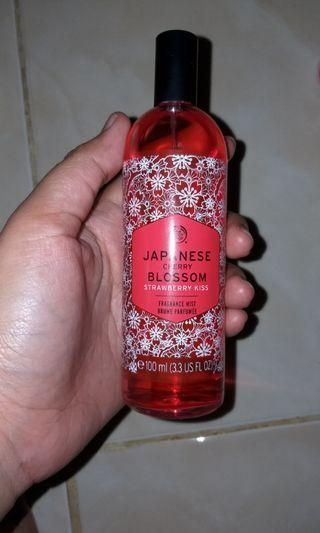 The Body Shop Japanese Cherry Blossom Strawberry Kiss 100ml