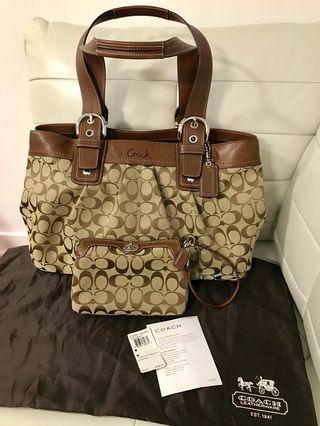 Brand New With Tags Authentic Coach Signature Large Tote Plus Wristlet