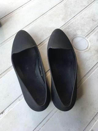 🚚 Crocs black