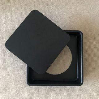 square cake pan with removable bottom